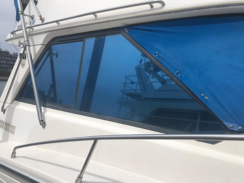 クルーザー、船、ボートの窓にも目隠し遮熱断熱フィルムを!